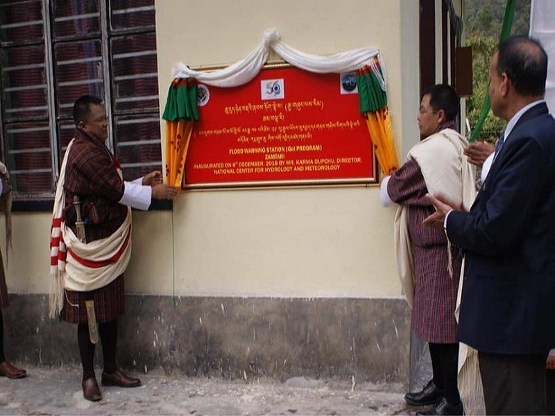 Inauguration ceremony of the Flood Warning Site office/ sediment lab at Zamtari on Jormri (Dhansari